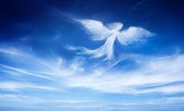 ange-dans-le-ciel-37064137